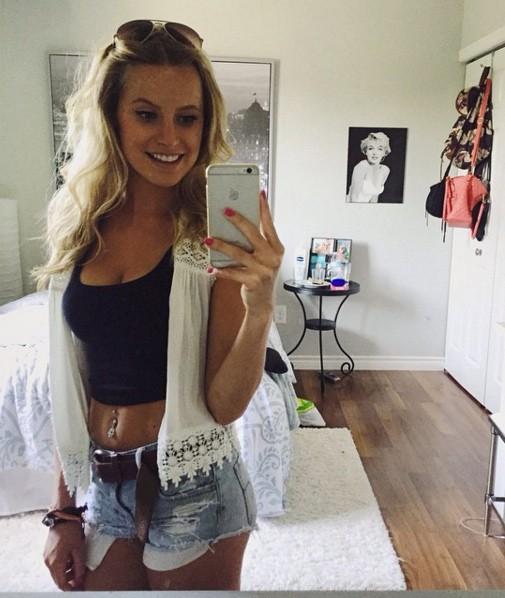 Iphone 11 Mirror Selfie