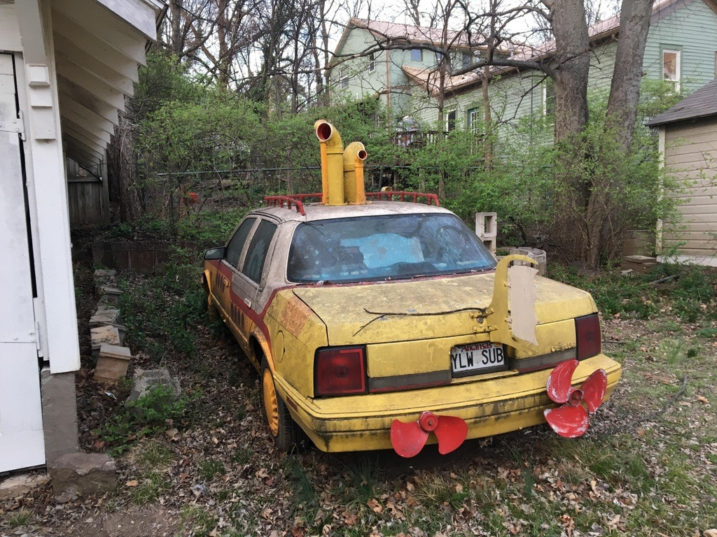 yellow submarine car